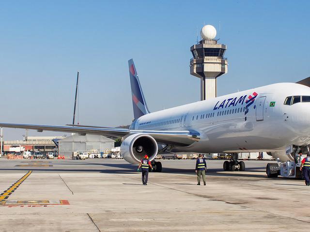 Adolescente curitibano burla esquema de segurança e embarca em voo para São Paulo