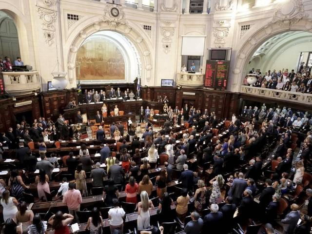 Na Alerj, deputados distribuem cargos que favorecem pelo menos 11 políticos, entre eles, envolvidos na Lava-Jato