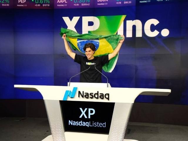 Benchimol comanda estreia da XP na Nasdaq ao som de 'Tema da Vitória' e com ação mais cara que o previsto