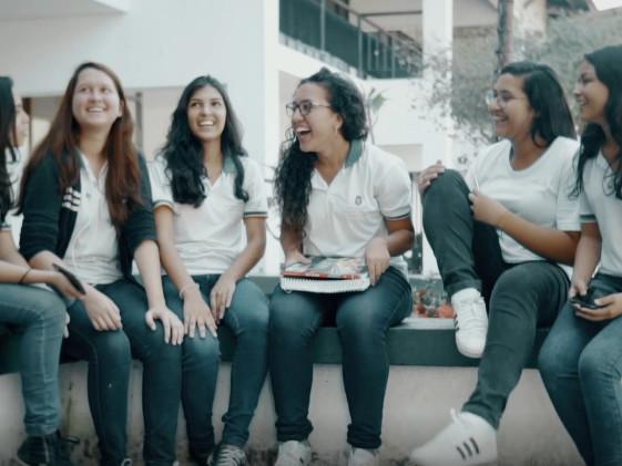 O sonho de Samila | Jovem de 15 anos do CE vai à Europa falar sobre preconceito