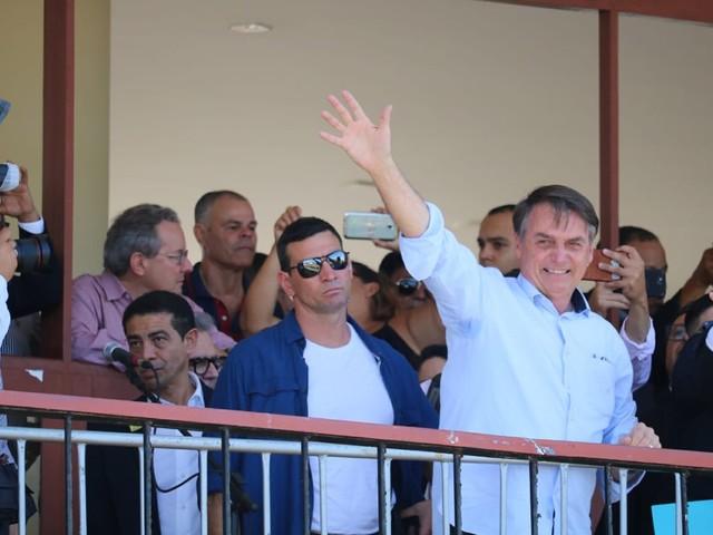 'Bandidos de esquerda começaram a voltar ao poder' na Argentina, diz Bolsonaro sobre vitória da oposição nas primárias