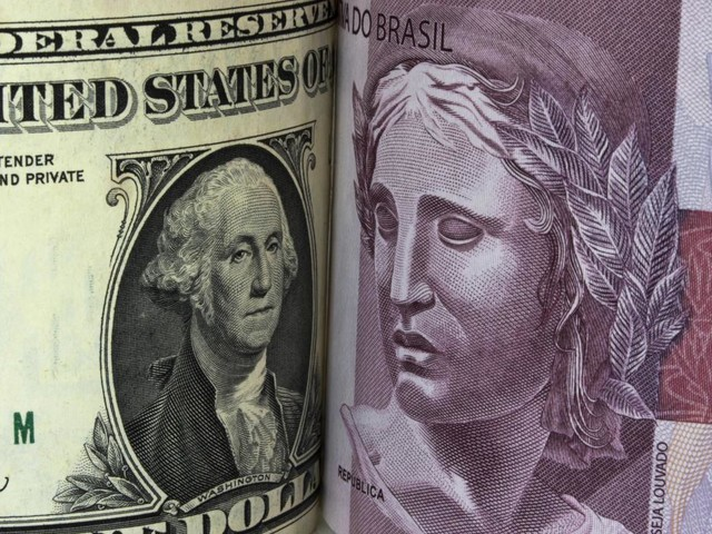 Dollar Exceeds R$4.18 and Closes at the Highest Value in 40 Days