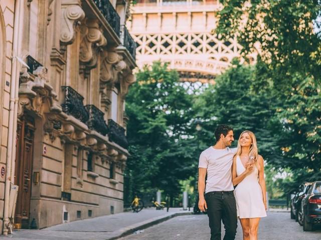 """Pato posta foto com namorada e se declara: """"Felicidade é o caminho"""""""
