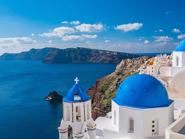 Férias na Grécia! Passagens para Atenas ou Santorini a partir de R$ 2.392, com datas para viajar no verão europeu!