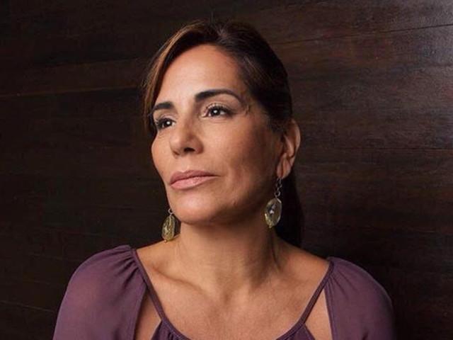 Gloria Pires ganha declaração de amor do marido
