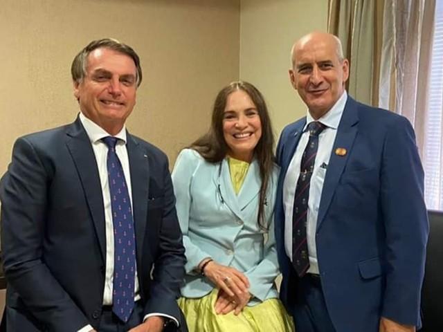Regina Duarte aceita convite de Bolsonaro