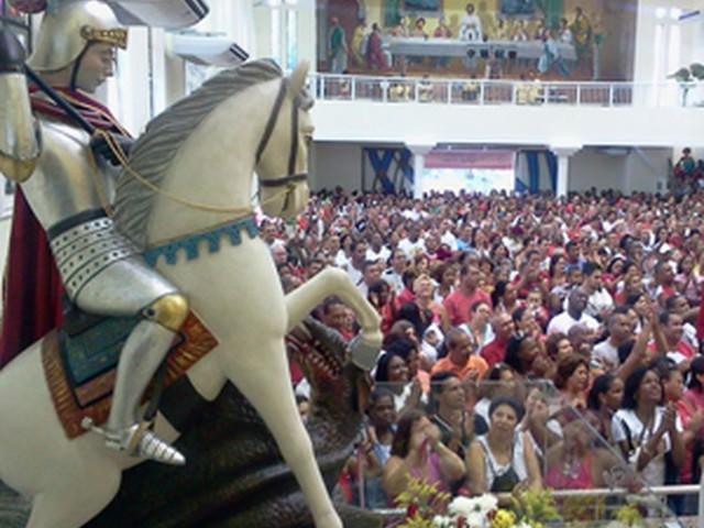 Saiba o que abre e fecha nos feriados de Tiradentes e São Jorge no Rio