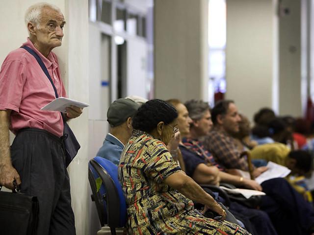 Rio promete depositar 13º de parte dos aposentados ainda nesta segunda
