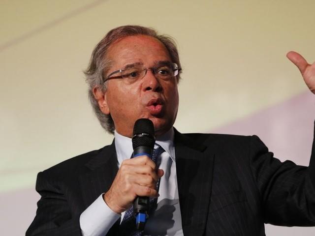 Guedes propõe fusão do BB com o Bank of America