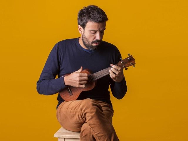 Marcelo Jeneci e cantor português Miguel Araújo fazem show juntos em São Paulo
