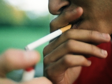 El tabaquismo en los hombres, antes aún de ser padres, afecta a la calidad del semen de sus hijos