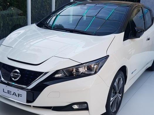 Nissan Leaf chega ao mercado brasileiro com kit de recarga custando R$ 195 mil