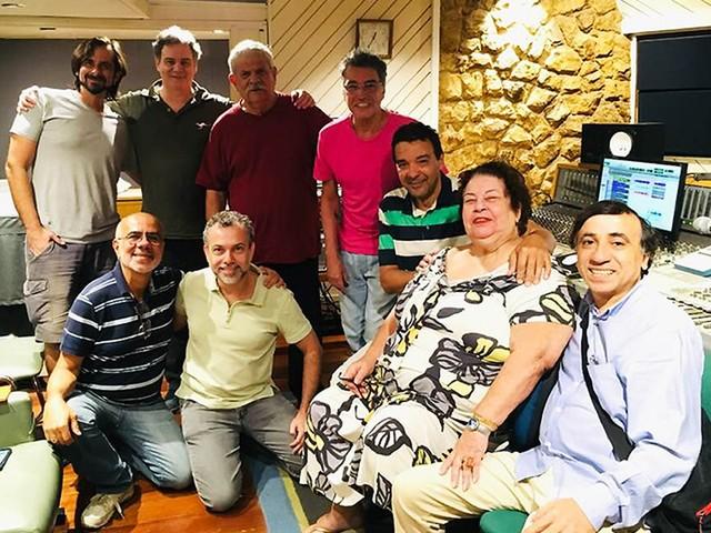 Nana Caymmi finaliza no Rio álbum com músicas da parceria de Tom Jobim com Vinicius de Moraes
