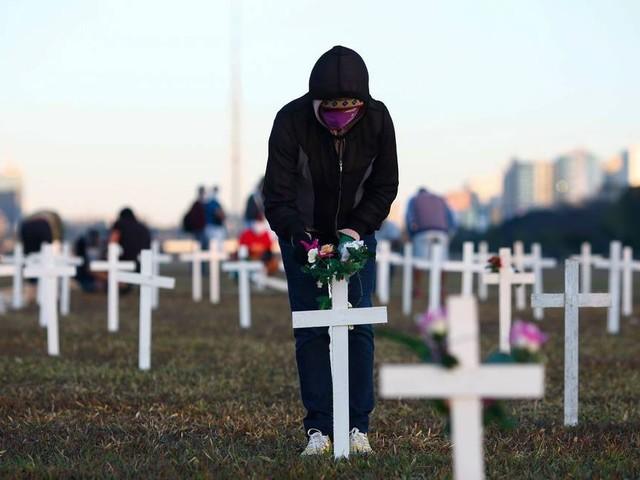 Brasil ultrapassa 58 mil mortes por Covid-19, aponta boletim do consórcio de veículos da imprensa das 20h