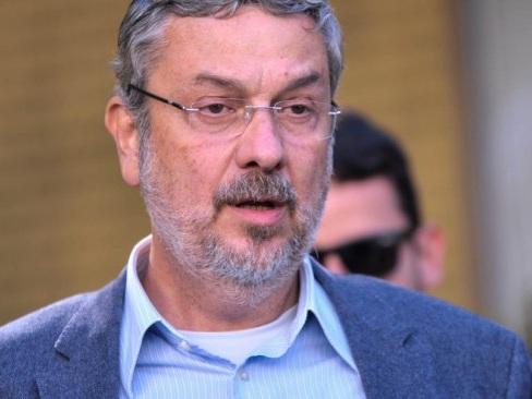Juíza autoriza busca em escritório de ex-advogado de Palocci