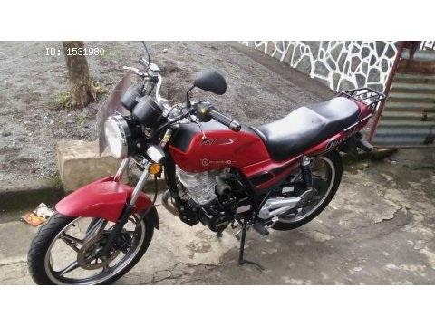 Motocicleta Gensis