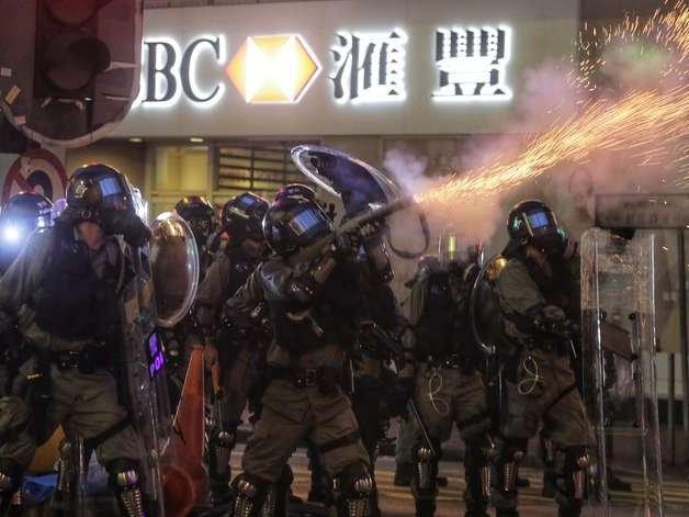"""China pede ao Reino Unido fim das """"ingerências"""" em Hong Kong"""