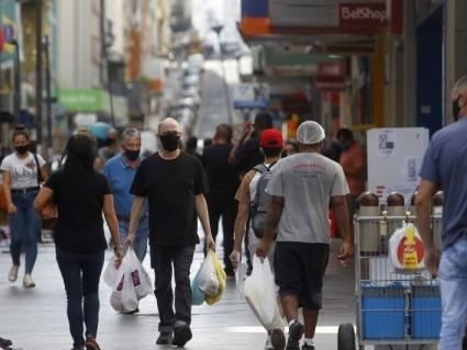 Lojistas de Porto Alegre estão otimistas com reabertura do comércio aos finais de semana