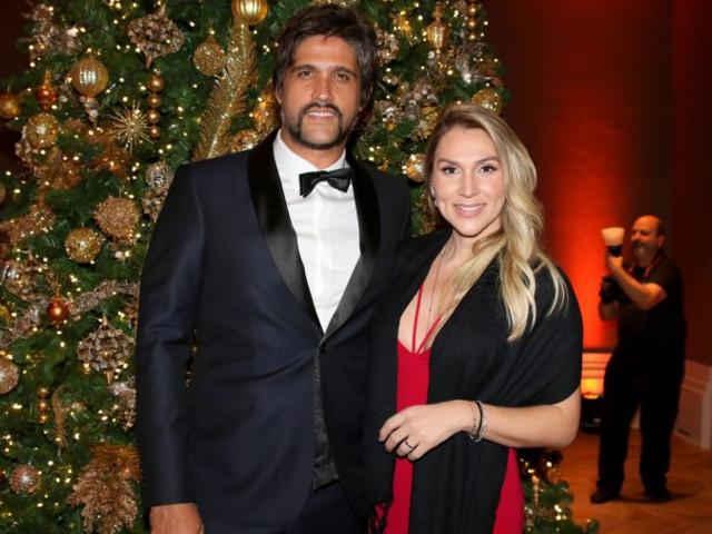 """Leo, da dupla com Victor, anuncia separação após 14 anos de casamento: """"Pódios e derrotas"""""""