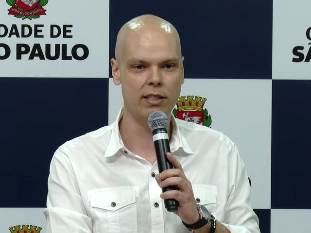 Covas recebe alta após sétima sessão de quimioterapia em hospital de SP