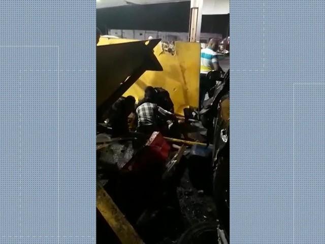 Motorista atropela seis pessoas em ponto de ônibus na Via Dutra, em São João de Meriti