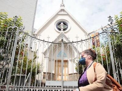 Na quarentena | Tradição cristã, Semana Santa terá missa online e proibição de lava-pés