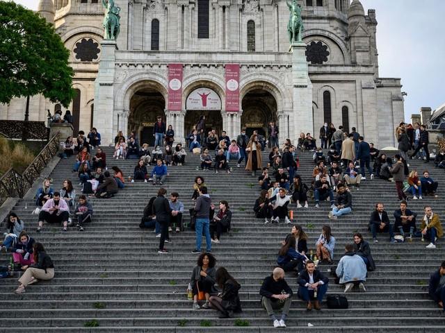 França autoriza realização de cerimônias religiosas