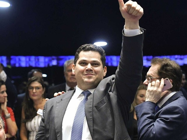 'Se for verdade, Moro ultrapassou o limite ético', diz Alcolumbre