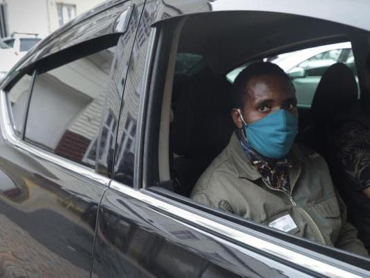 """""""Como 34 tiros de policiais não têm a intenção de matar?"""", questiona turista angolano após conclusão do MP"""