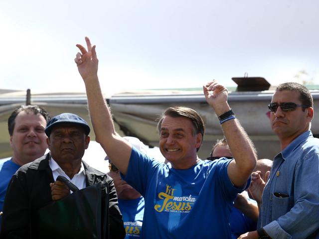 Em Brasília | Ideologia de gênero é coisa do capeta, diz Bolsonaro na Marcha para Jesus