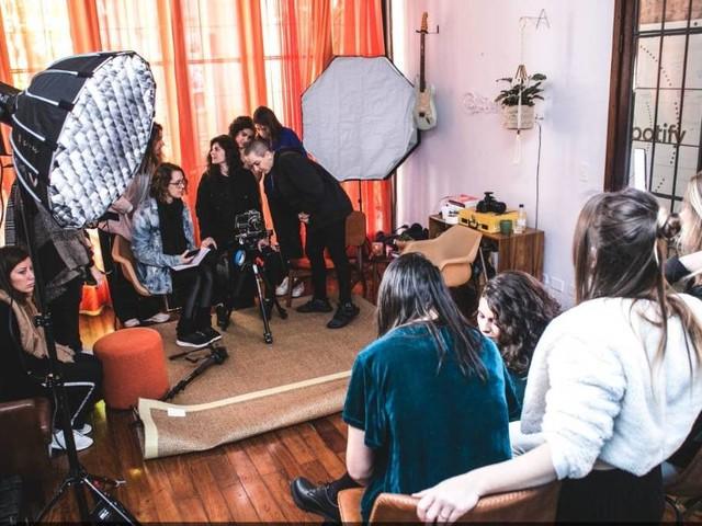 84% das brasileiras ligadas ao setor musical já foram discriminadas no trabalho, diz pesquisa