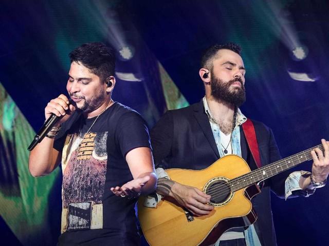 """Mateus, da dupla sertaneja """"Jorge & Mateus"""" surpreende com novidade e comove fãs: """"Que Deus abençoe"""""""
