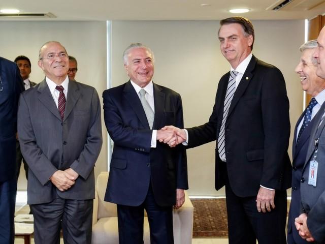 Temer diz que convidou Bolsonaro para viagens internacionais antes da posse