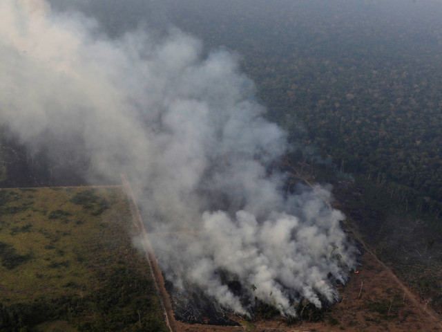 Incêndios na Amazônia | Governo culpa gabinete de general Heleno por reação lenta a queimadas