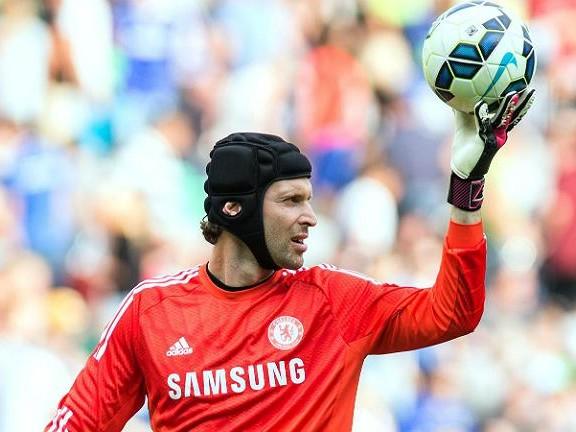 Por precaução, Chelsea inscreve Petr Cech no Campeonato Inglês