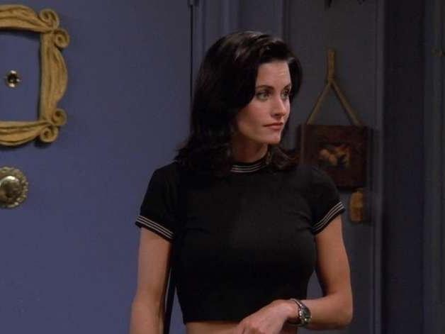 """Courteney Cox grava vídeo em frente ao apartamento de """"Friends"""""""