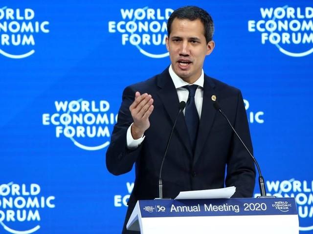 Em Davos, Guaidó pede ajuda para ser reconhecido presidente da Venezuela e integrá-la à economia global
