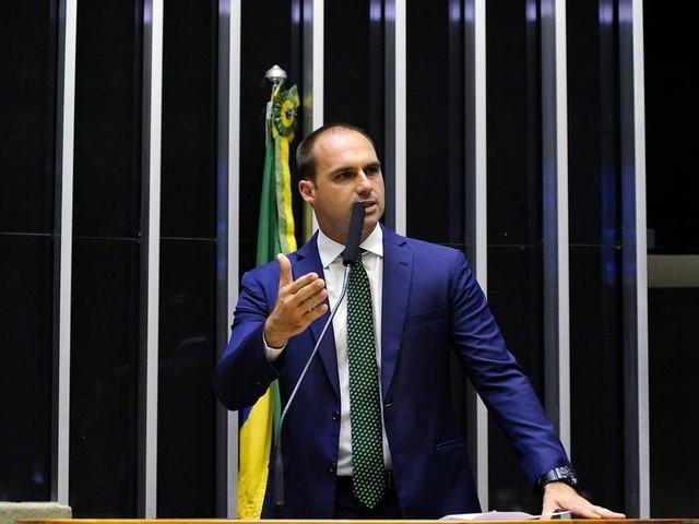 Eduardo Bolsonaro rejeita acordo com PGR e não se livra de processo por ameaça