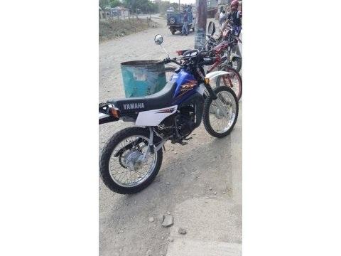 vendo moto Yamaha 175Dt full cover seguro