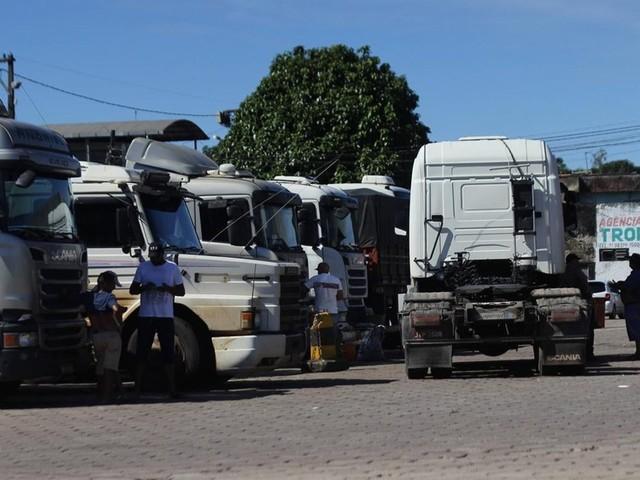 Caminhoneiros ameaçam entrar em greve em 10 dias