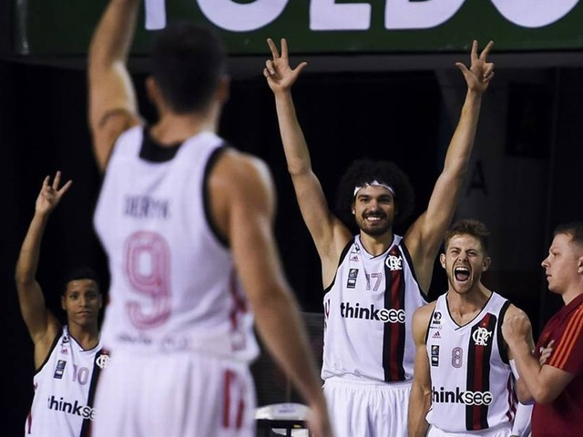 Em estreia complicada, Flamengo vence a primeira na Liga Sul-Americana de basquete