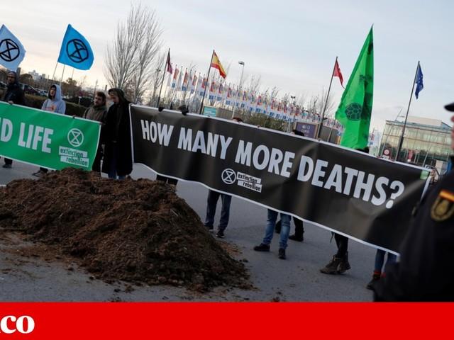 ONG encenam sessão de encerramento alternativa na COP25
