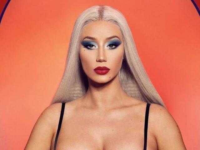 Iggy Azalea lança single de retorno e clipe tem influências góticas