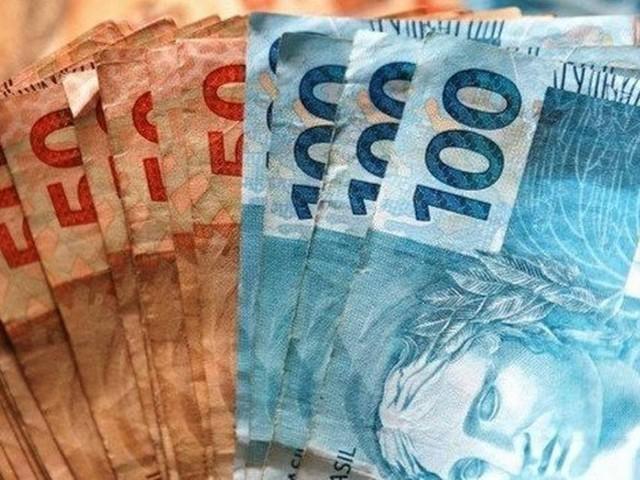 Governo prevê zerar rombo nas contas públicas em 2022