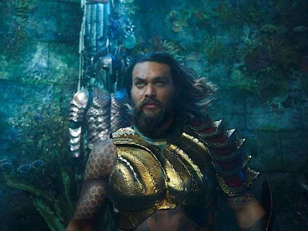"""""""Aquaman"""" não chega a nadar de braçada, mas é ponto a favor para a DC"""