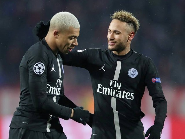 Caso Neymar: PSG adotará estratégia do silêncio, diz emissora francesa