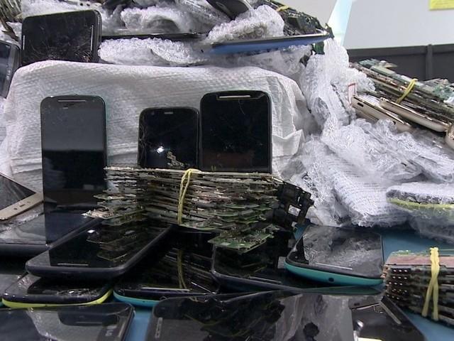 Empresa fatura reciclando celulares usados