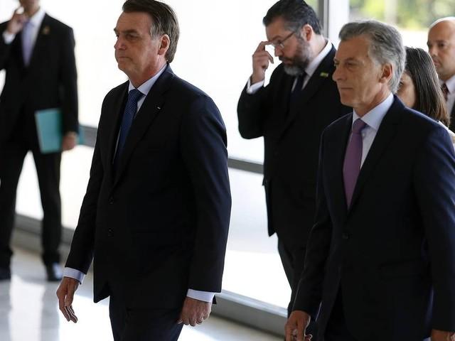 Após encontro com Macri, Bolsonaro defende Mercosul 'enxuto'