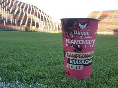 Flamengo venderá copo temático baseado na campanha Outubro Rosa