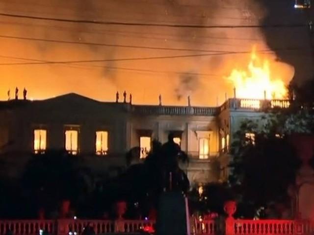 Incêndio atinge o Museu Nacional na Quinta da Boa Vista, em São Cristóvão